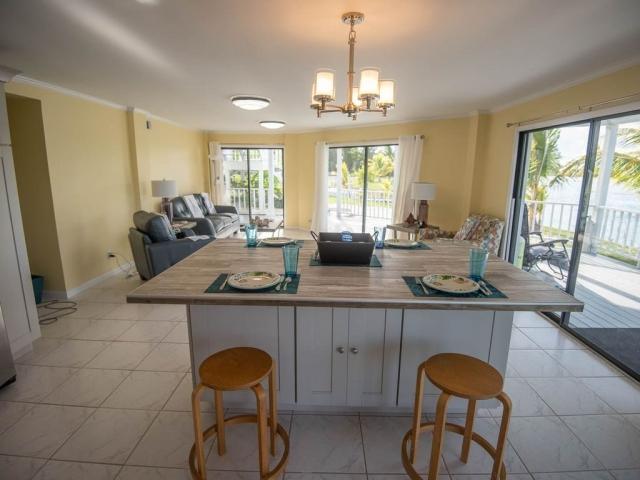 Andros Island Rentals - Fresh Creek - Breakfast Bar and Bahamas Room