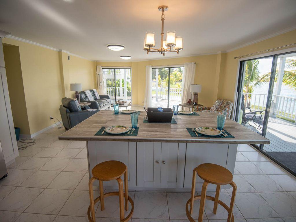 Andros Island Rentals - Fresh Creek Octagon Dining Area and Bahamas Room