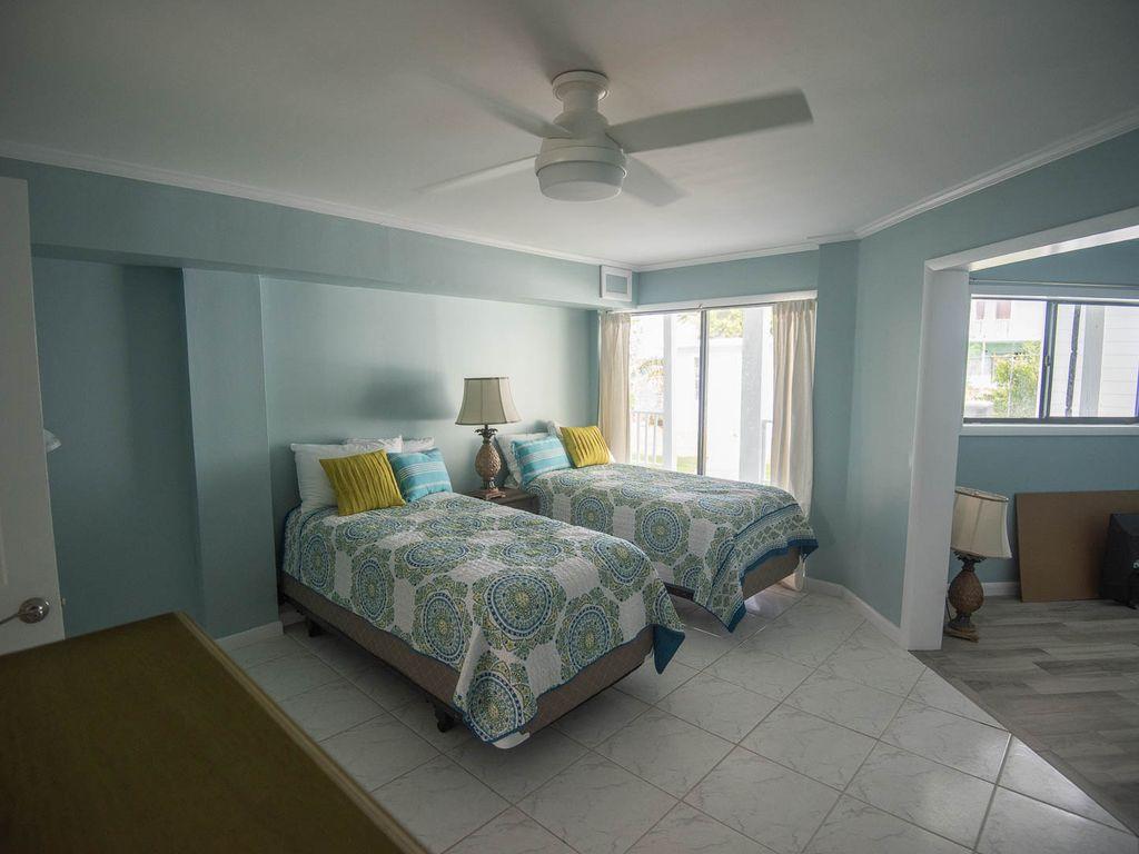 Fresh Creek Adventures Octagon - Lower Floor Bedroom #1